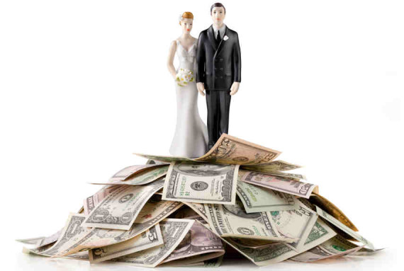 54eba19b903ae_-_married-couple-money-pile-xl